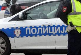 Požar u Doboju: U autoservisu oštećena tri vozila