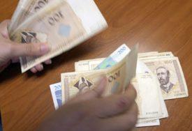 SVAKA ČAST Pošteni trojac iz Trebinja našao 500 KM na bankomatu i vratio ga vlasniku