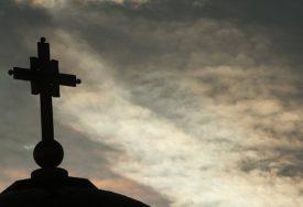 "ORILO SE ""NE DAMO SVETINJE"" Litije u Crnoj Gori ujedinile Srpsku pravoslavnu crkvu"