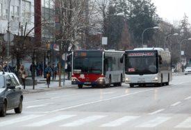 JAVNI PREVOZ PO LEĐIMA PUTNIKA Ne brine ih higijena u autobusima već cijene karata