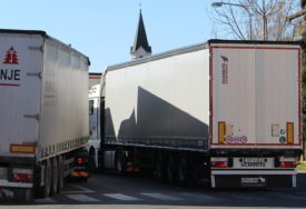 BORBA SA KORONA VIRUSOM Pojačana frekvencija teretnih vozila u Gradiški