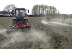 Dodatna podjela paketa sjemena u Gradišci: Podrška poljoprivredi iz lokalnog budžeta