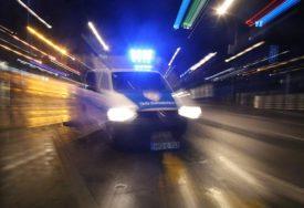 NATOČIO GORIVO NA PUMPI, PA POBJEGAO Dobojska policija traga za osumnjičenim