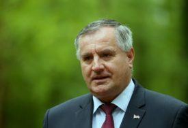 HIT DANA Radovan Višković